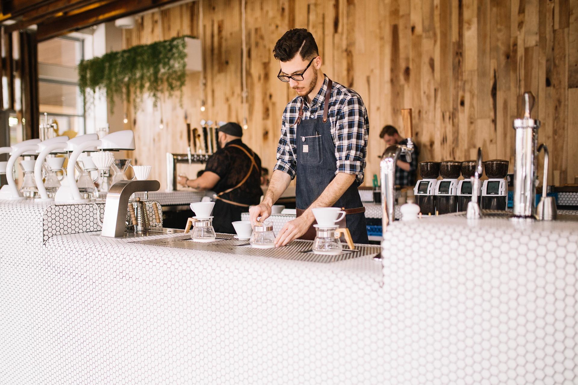 Welche persönlichen Merkmale sollte man haben um eine Bar zu eröffnen